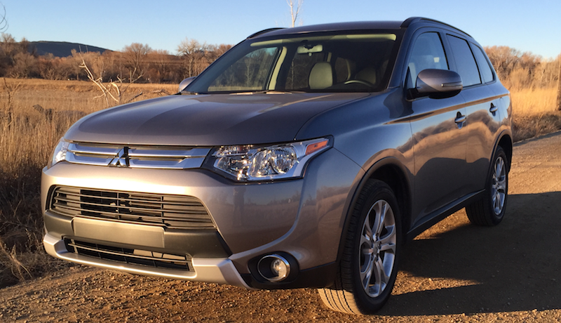 mitsubishi outlander review test drive photo