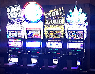 my girls overwhelmed flashing lights slot machines gambling drunks las vegas