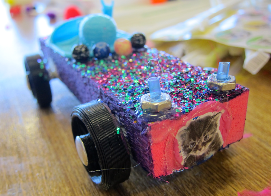 my daughter's winning geeky derby car from noco makers faire
