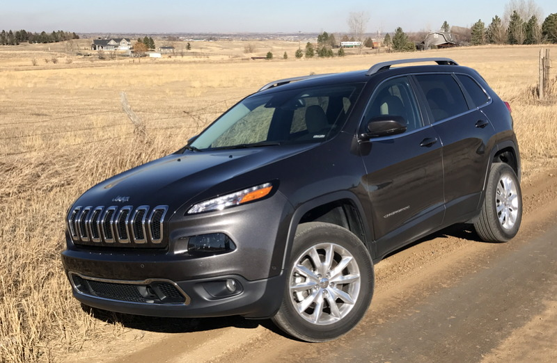 2017 jeep cherokee limited 4x4 on a dirt road