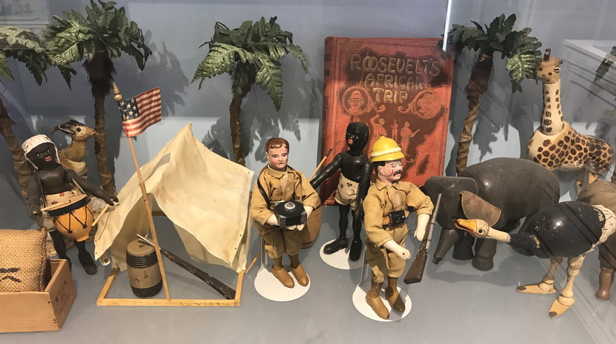 roosevelt jungle trip adventure toy set
