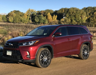 2017 toyota highlander se fwd - review