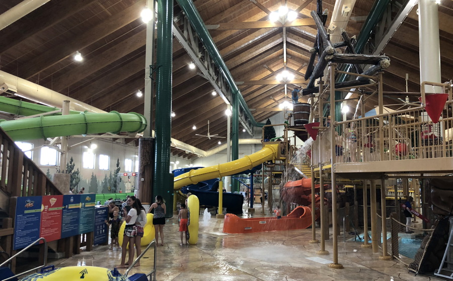 great wolf lodge pool play area