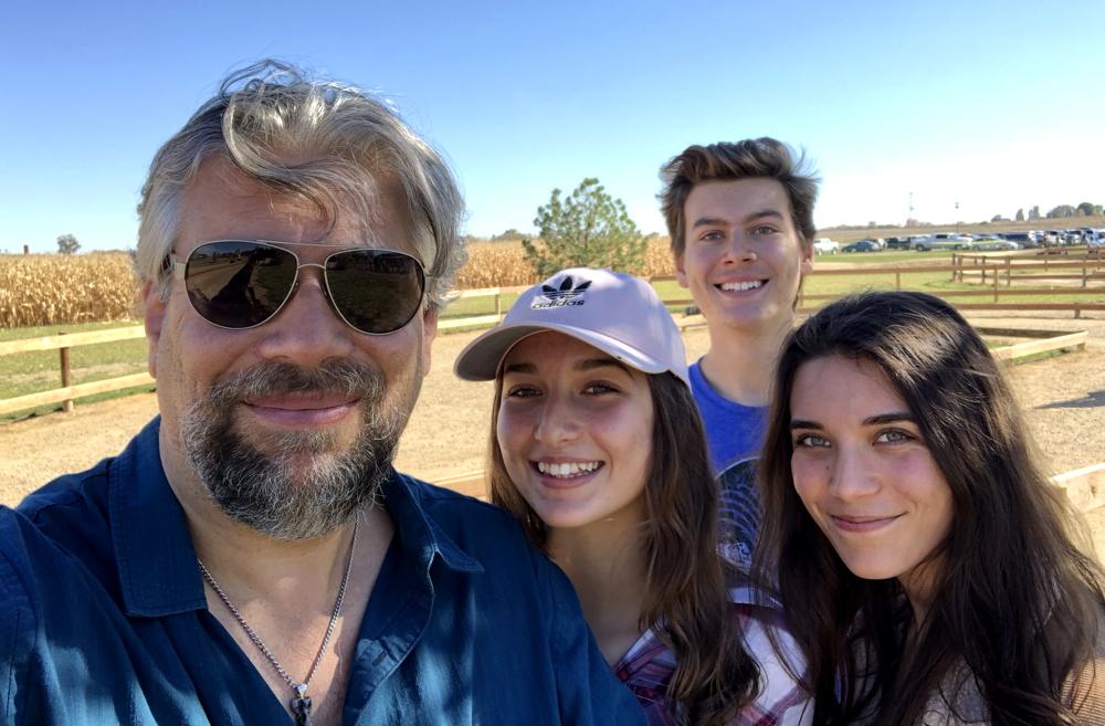 taylor family portrait at anderson farms colorado