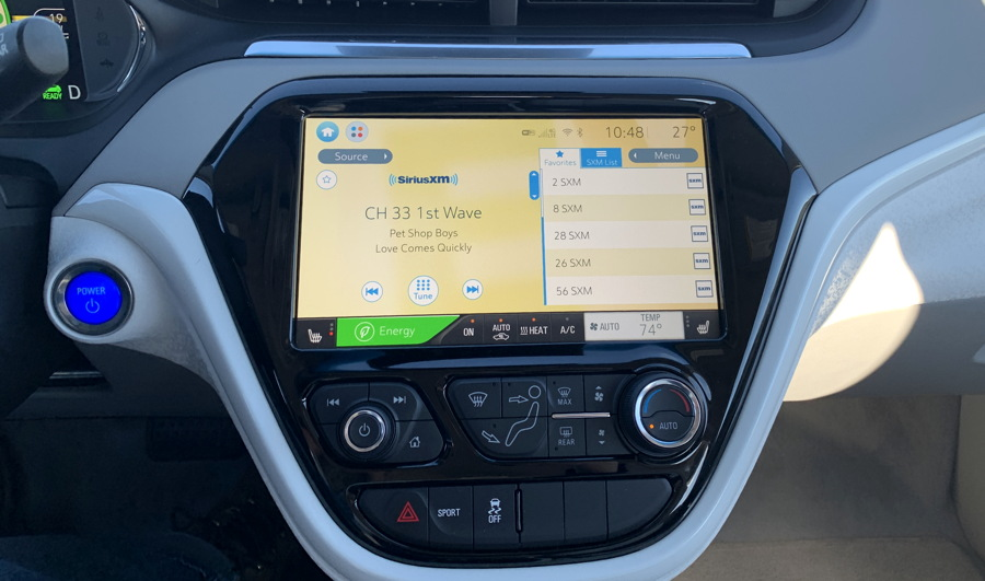 dashboard entertainment screen bolt ev 2019
