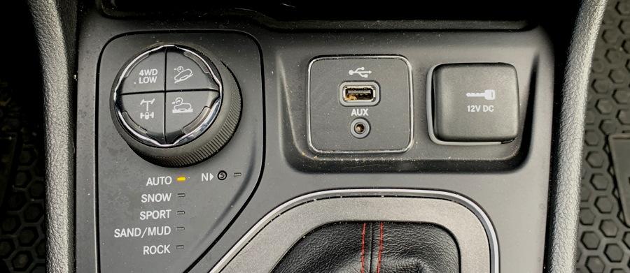 4x4 controls, 2019 jeep cherokee