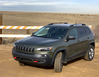 2019 jeep cherokee trailhawk elite 4x4 road test review