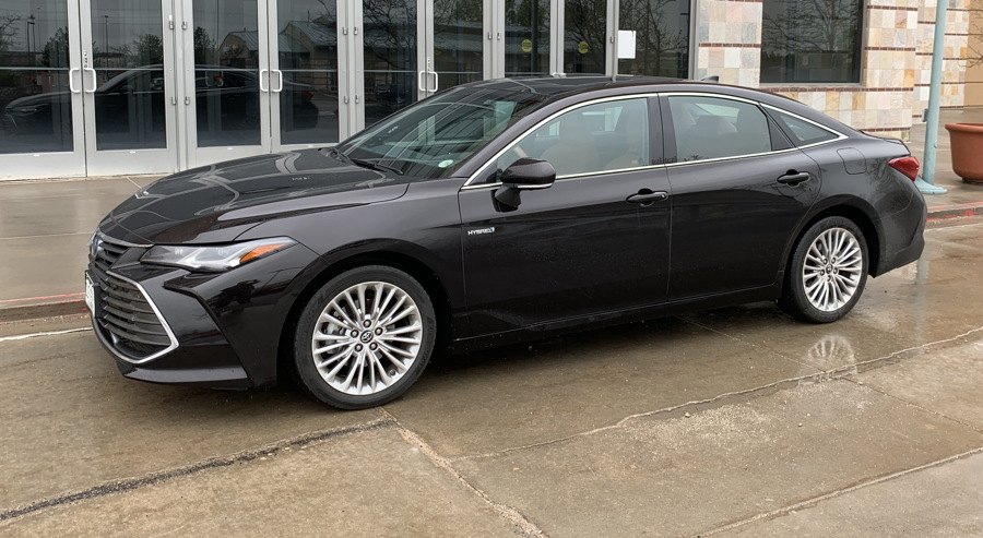 2019 toyota avalon hybrid ltd