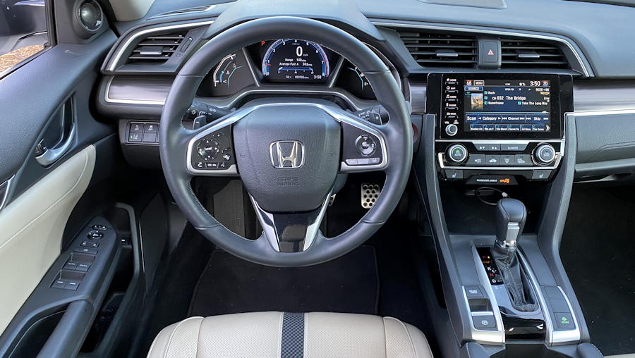 2019 honda civic touring front dash