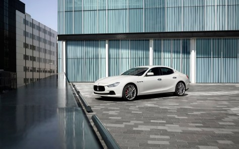 Maserati-Ghibli_2014_1280x960_wallpaper_0d