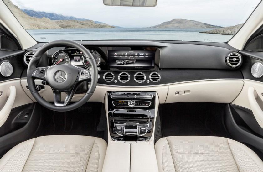 2017-Mercedes-E-Class-16