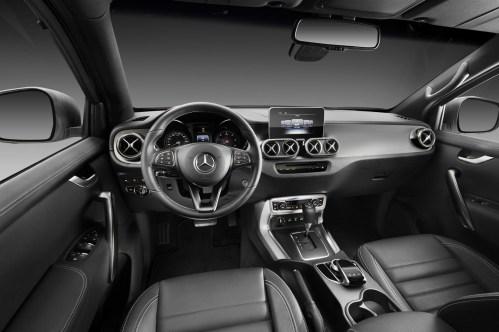 Mercedes-X-Class-90