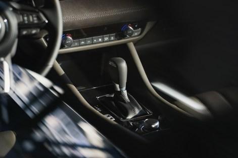 2019-Mazda6-14