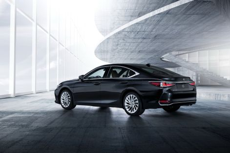 2019-Lexus-ES-EU31