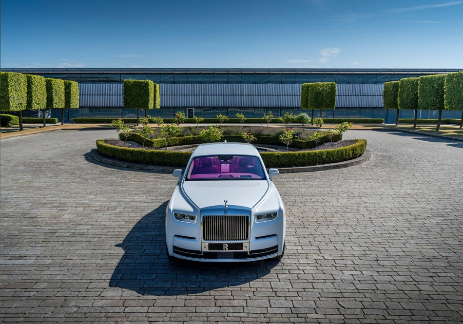 2019 Rolls-Royce Phantom Fuxia
