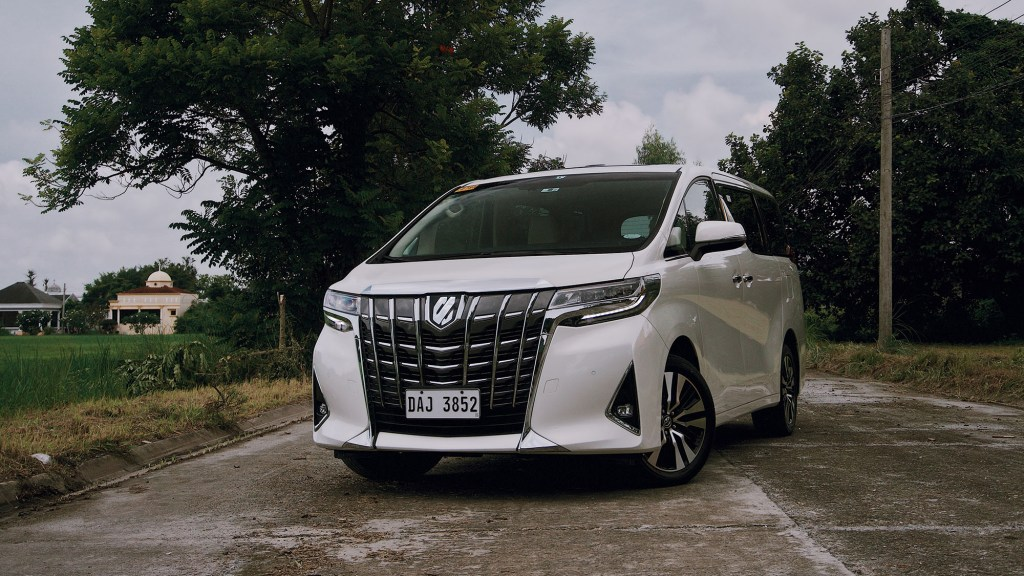 2019 Toyota Alphard 3.5 V6 Review