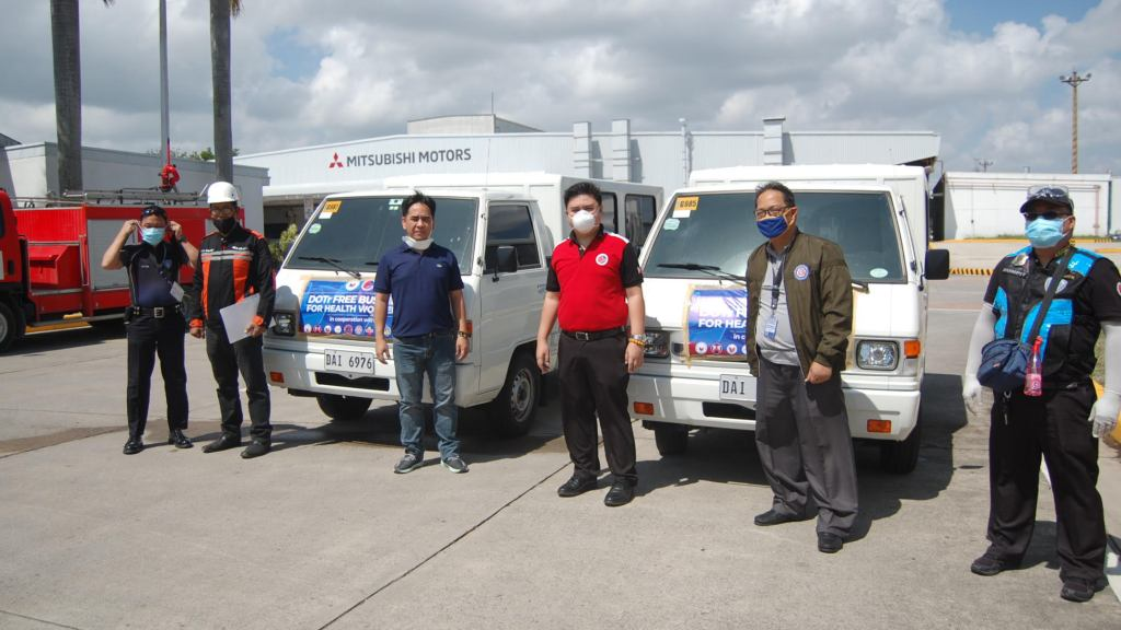 Mitsubishi PH Lends Its L300 Units To COVID-19 Frontliners