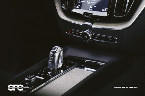 2020 Volvo XC60 Inscription Orrefors Crystal Gear Shifter