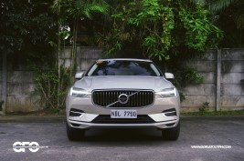 2020 Volvo XC60 T8 Inscription Exterior Front