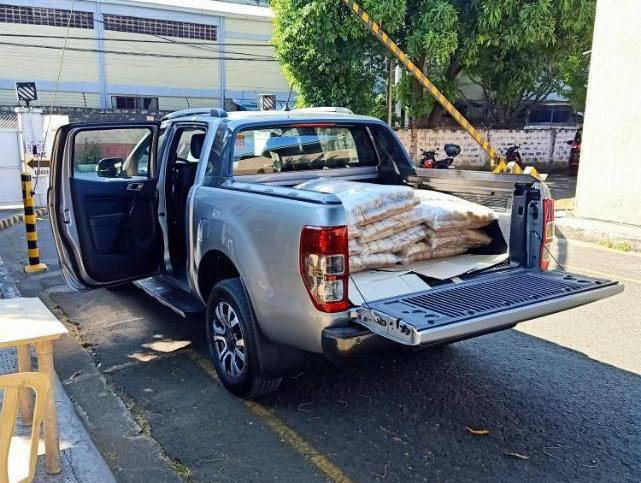 Ford PH Uses Its Fleet Of Ranger Pick-Ups To Deliver Food, Medical Supplies