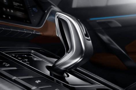2020 Geely Azkarra Luxury Gear Lever
