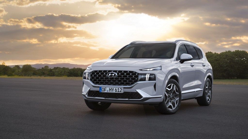 Facelifted 2021 Hyundai Santa Fe Gains A Wider Grille