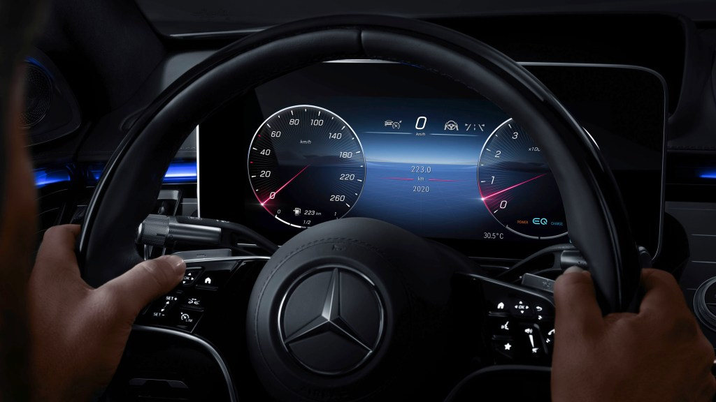Next-Generation Mercedes-Benz S-Class Can Monitor Its Occupants