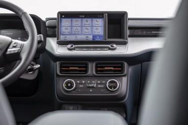 2022-Ford-Maverick-40