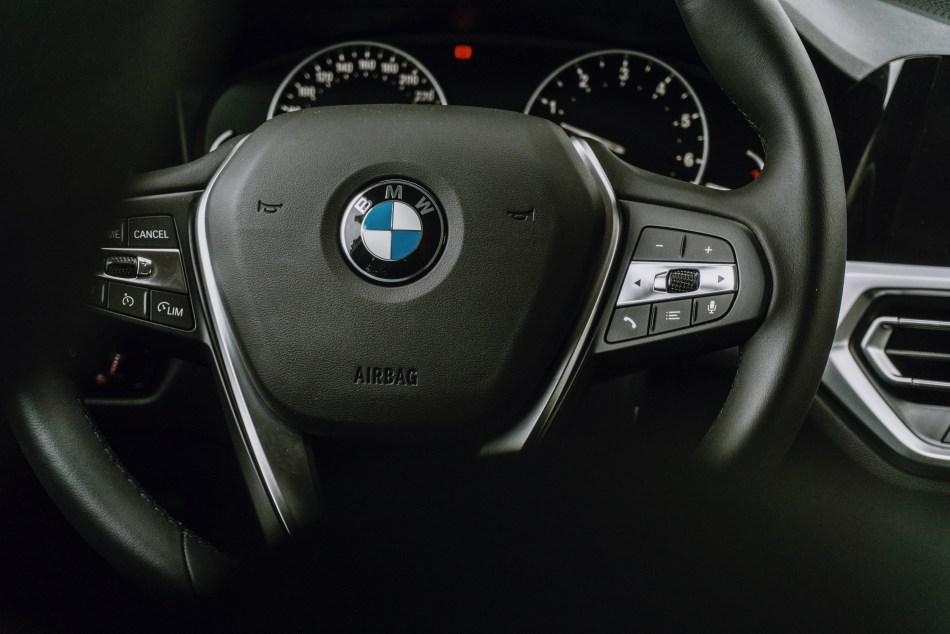 2021 BMW 318i Sport Interior