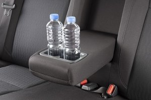 rear-centre-armrest-wth-cup-holders_1