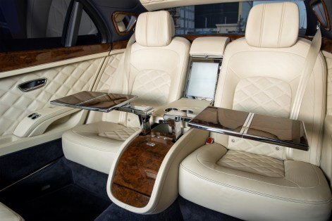 2015-Bentley-Mulsanne-Grand-Limousine-Mulliner-2