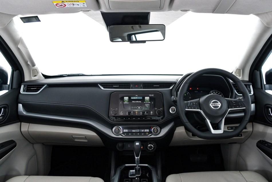 2022 Nissan Terra Interior
