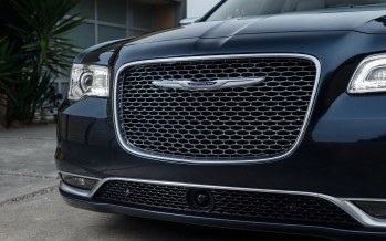Chrysler-300_2015_1280x960_wallpaper_5d