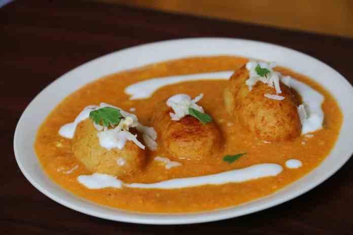 Aloo Paneer Kofta Recipe - Cottage Cheese Fritters
