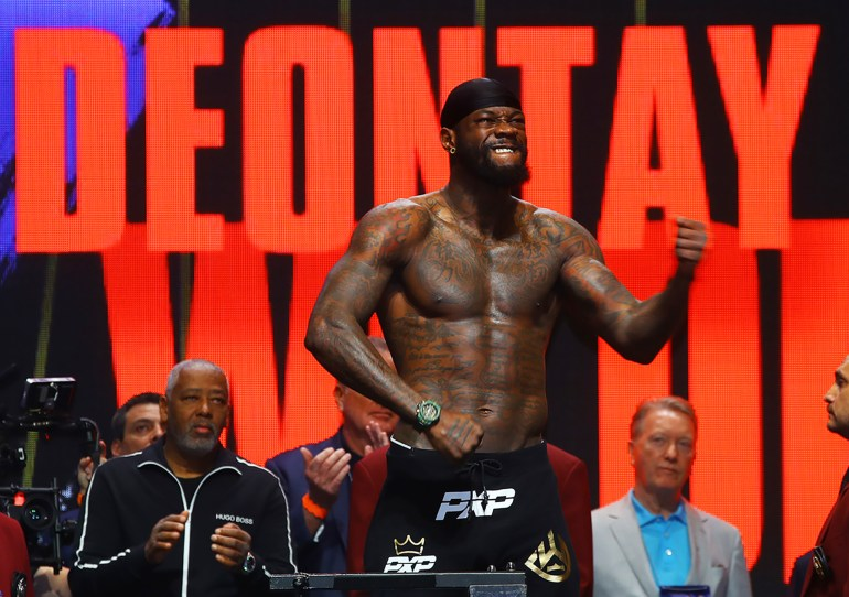 Deontay_Wilder_flex_wide