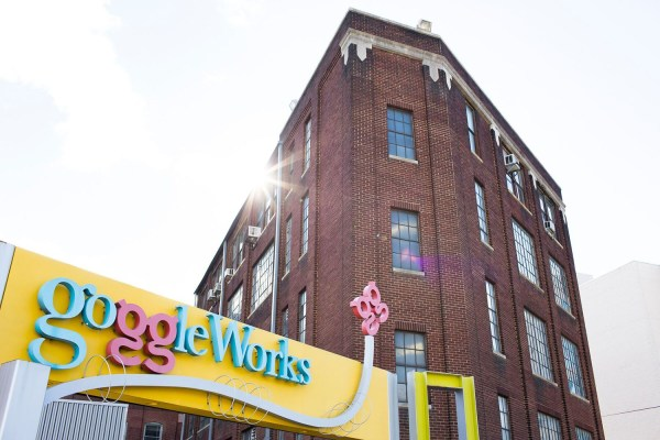 Exterior_GoggleWorks Sign