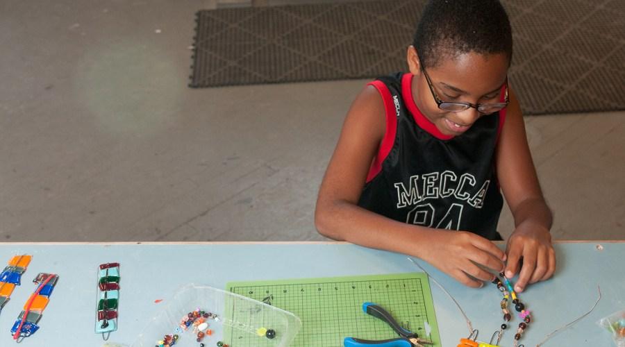 Kids_Making_Warm Glass