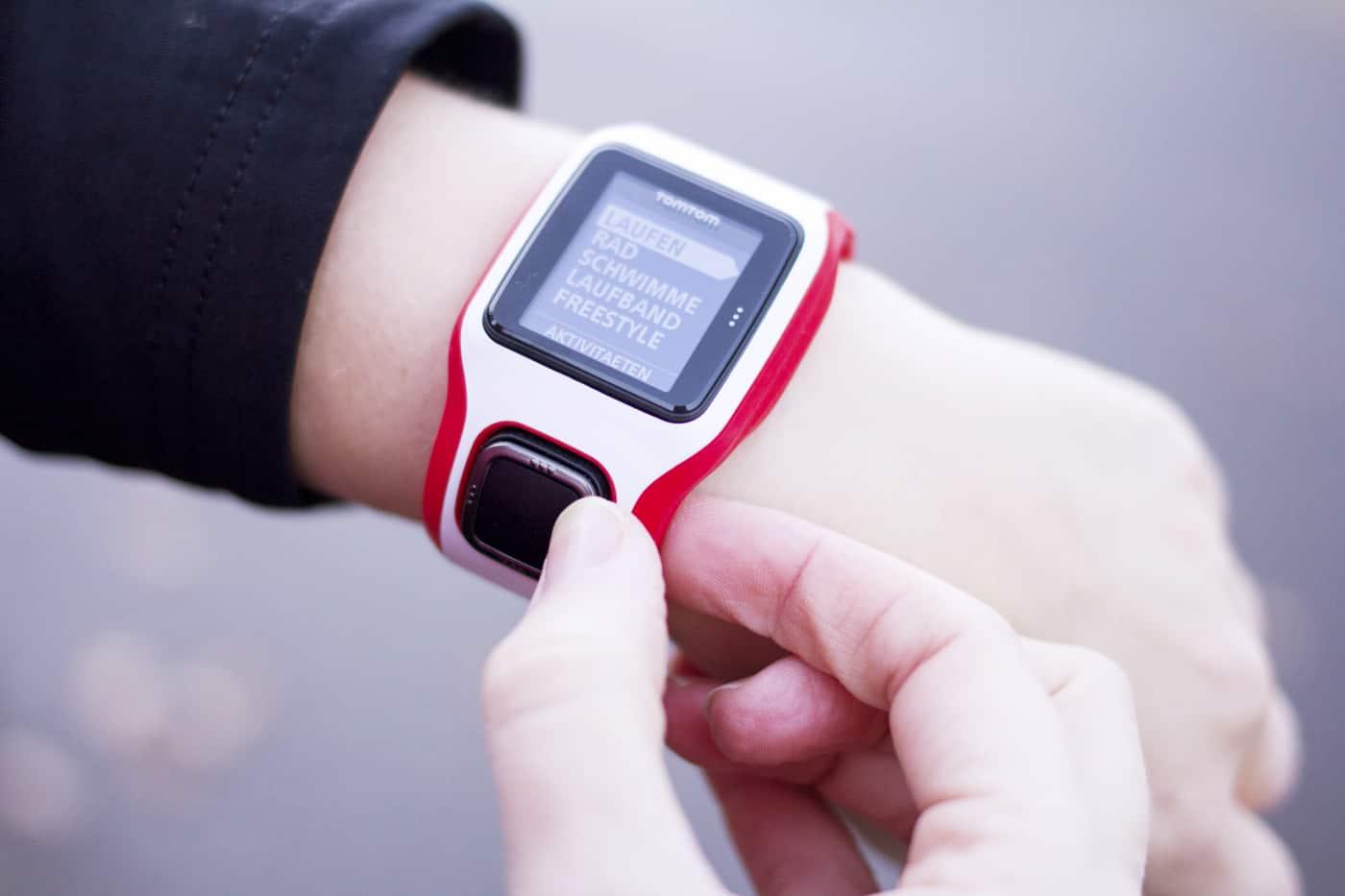 TomTom GPS Sportuhr Multisport Cardio Navigation