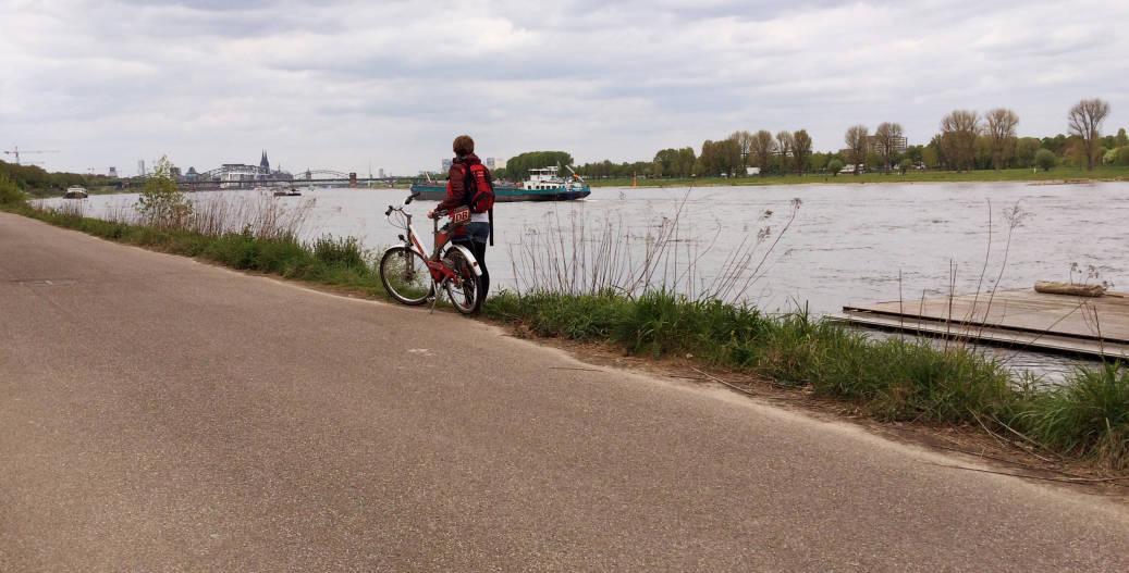 Insidertipp: Mit dem Fahrrad am Kölner Rheinufer entlang