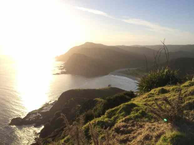 Ein Blick zurück zu unserer Bucht mit Campingplatz