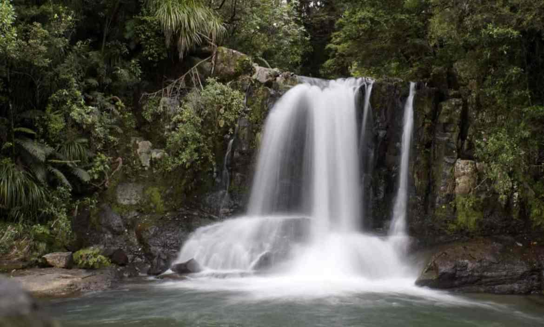 rundreise-neuseeland-coromandel-waterfall