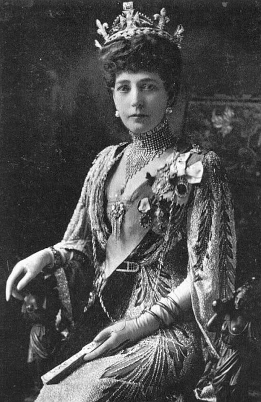 1913 Queen Alexandra Dressed For The Connaught Fife