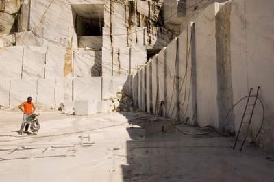 Italia, Toscana, Alpi Apuane (Lucca), Cave di marmo sopra Levigliani (monte Corchia)