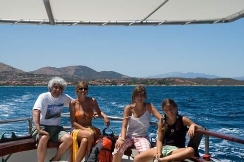 Tavolara: A. Gogna, Guya, Alessandra, Elena