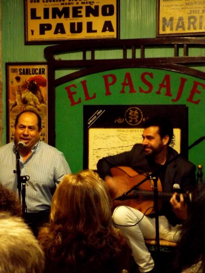 Flamenco singer and guitarist in Jerez
