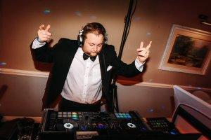 Adding Live music to your DJ set
