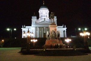 夜のヘルシンキ大聖堂