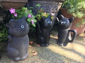 Statue of a cats at Imado Shrine