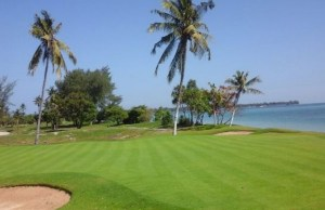 Golfing While Enjoying The Scenic View of Seashore in Lombok Golf Kosaido