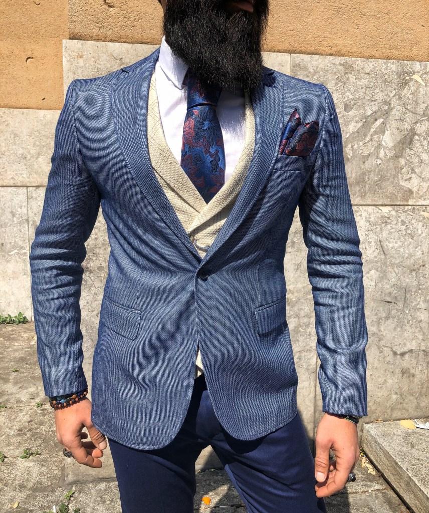 Giacca uomo per una cerimonia. Si può indossare lo spezzato.